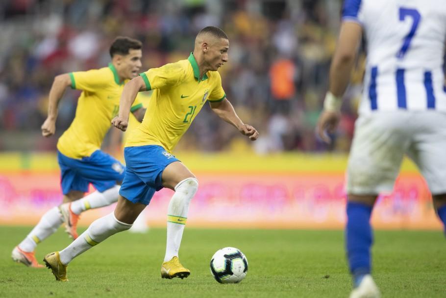 Seleção busca garantir vaga na próxima Copa do Mundo