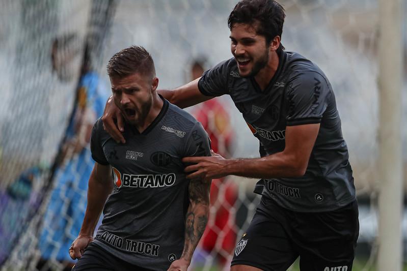 Sasha marcou o gol do Galo no empate com o Tombense