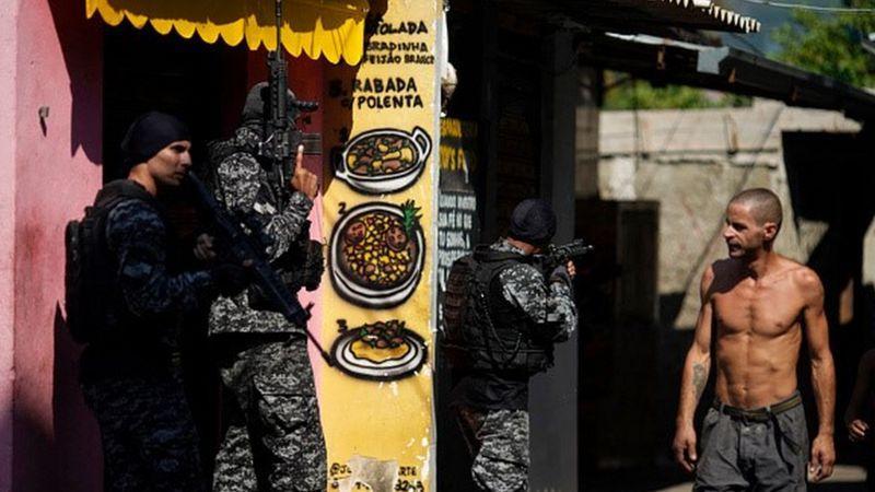 Operação da Polícia Civil começou na manhã de quinta-feira (6) e deixou 27 pessoas mortas