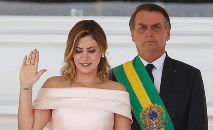 Michelle Bolsonaro recebeu cheques de Queiroz, acusado de organizar rachadinha para Flávio Bolsonaro (Alan Santos/PR)
