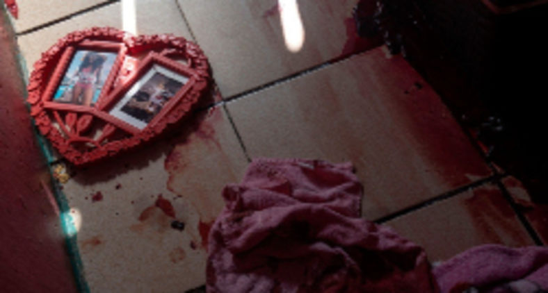 A maioria esmagadora dos homicídios foi feito a queima roupa, verdadeiras execuções sumárias. Foram vinte e oito moradores mortos, e um policial (Mauro Pimentel/AFP)