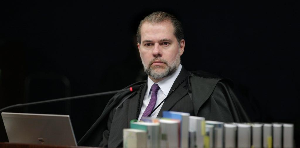 Ministro nega envolvimento com venda de sentenças