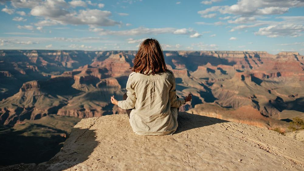 Quero um pôr de sol cearense/ou a ampla visão de canyons infinitos