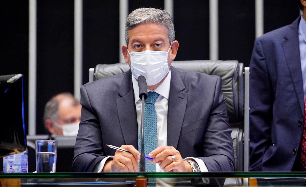 O presidente da Câmara Arthur Lira defendeu a proposta apoiada pelo Planalto
