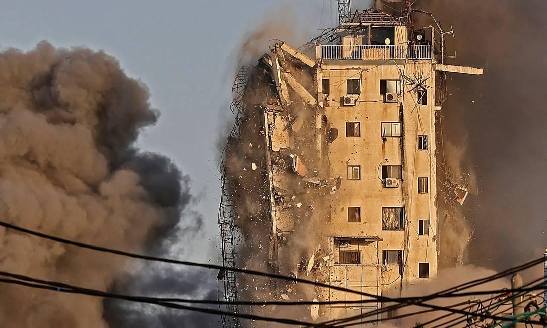 Edifício de 12 andares onde ficam redações da AP e da Al-Jazeera  foi evacuado previamente