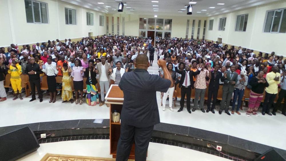Ala angolana da Igreja rompeu com a brasileira