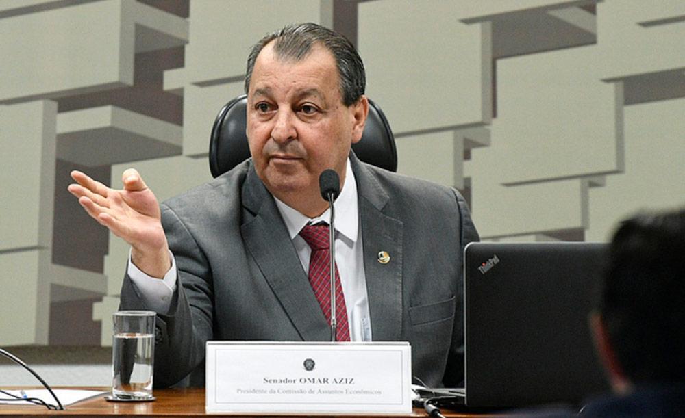 Omar Aziz quer saber quem foi o responsável pelo parecer que mudaria abula da cloroquina