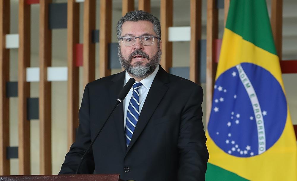 Araújo foi acusado de atrapalhar o relacionamento com países-chave, como China e Estados Unidos