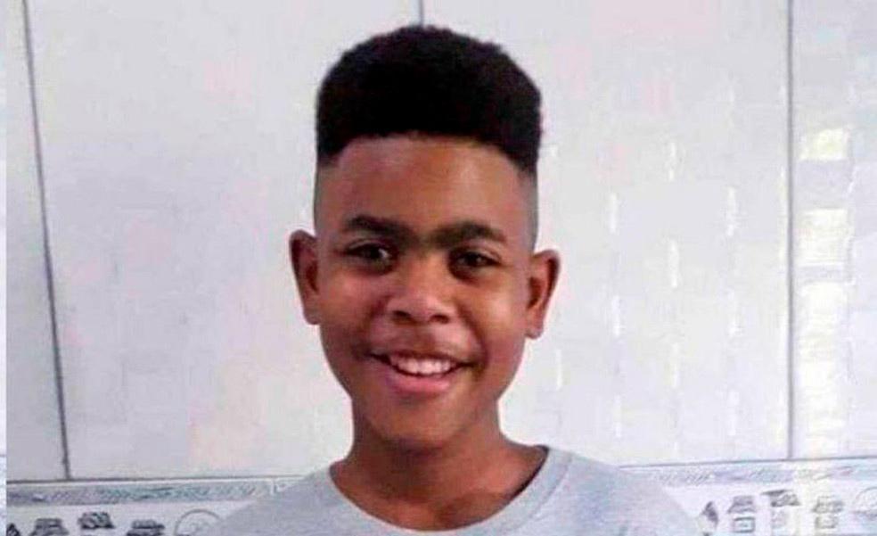 O jovem João Pedro foi morto dentro de sua própria casa por uma bala perdida