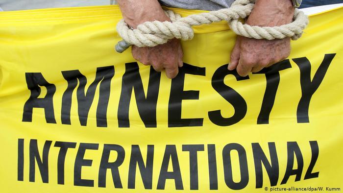 Em seIs décadas de existência, Anistia Internacional tem revelado atrocidades por todo o mundo
