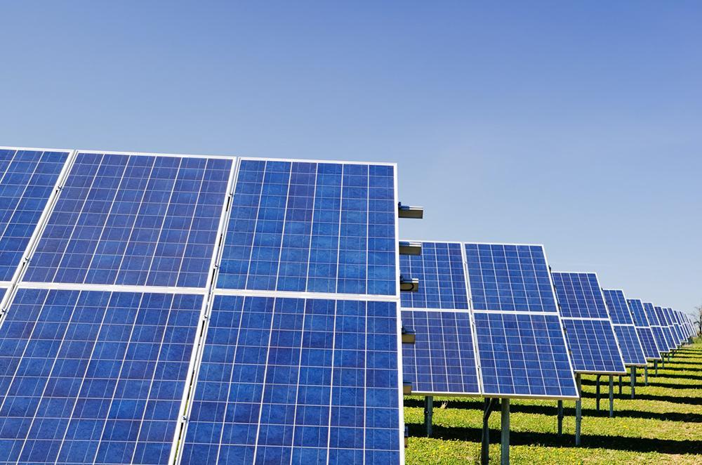 O mundo tem um caminho viável para construir um setor de energia global com emissões líquidas zero em 2050
