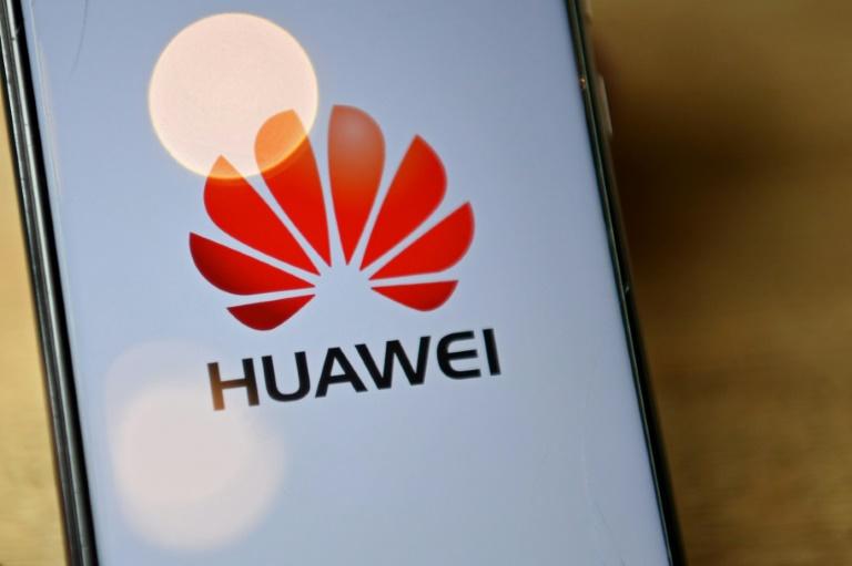 Logotipo da gigante de telecomunicações chinesa Huawei, que se diversifica a cada dia