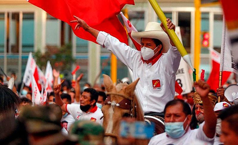 Castillo supera a rival Fujimoricom votos das áreas rurais e da população indígena