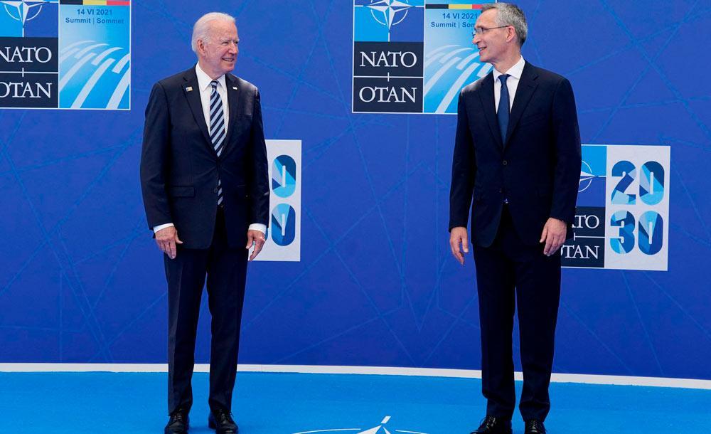 O presidente dos EUA Joe Biden e o secretário-geral da aliança militar ocidental Jens Stoltenberg
