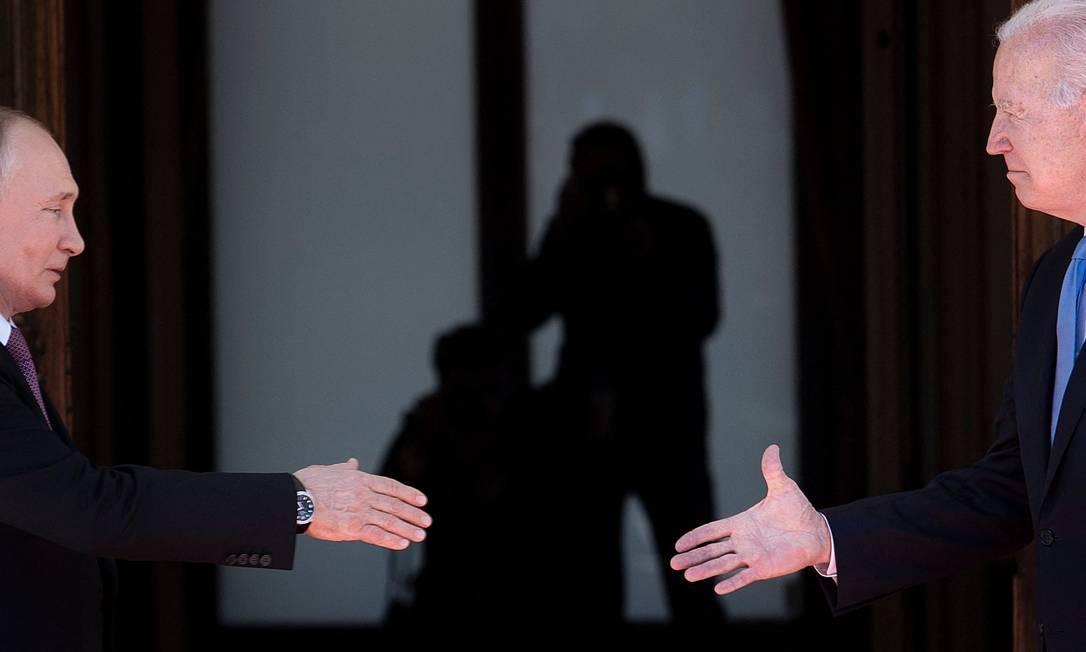 Presidente da Rússia, Vladimir Putin, se encontra com o presidente dos EUA, Joe Biden, em Genebra