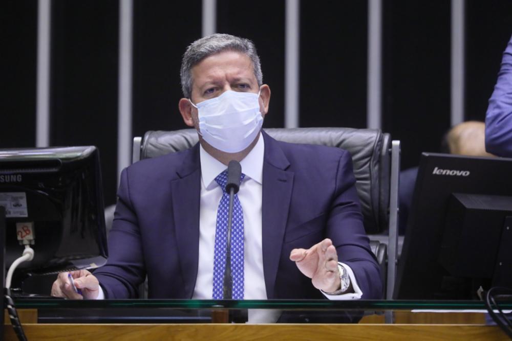 Aliado de primeira hora de Bolsonaro, o presidente da Câmara, Arthur Lira (PP-AL), comemorou a aprovação do texto