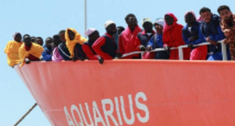 Diante desse potencial negativo da pandemia, está mais do que na hora de ambos os continentes cooperarem genuinamente para evitar mortes de migrantes em travessias perigosas (Carlo Hermann / AFP)