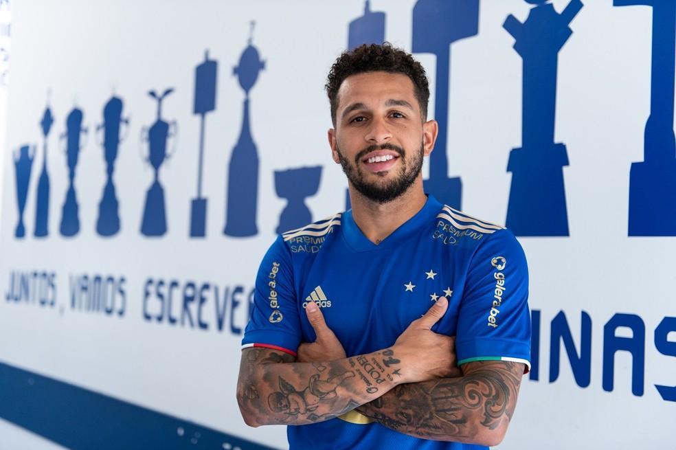 Jogador chega para a disputa da Série B do Campeonato Brasileiro