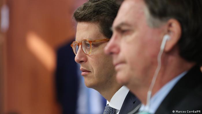 Jornais europeus citam investigação criminal contra o ex-ministro e relembram gestão que desmontou mecanismos de proteção ambiental e favoreceu madeireiros e garimpeiros