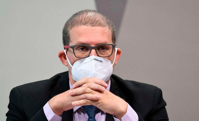 O epidemiologista e professor da UFPel Pedro Hallal defende que quatro em cada cincomortes no país por Covid estão em 'excesso'