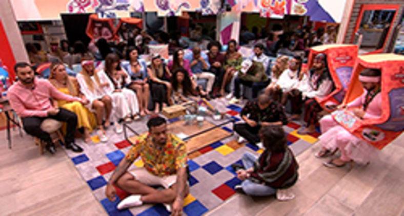 Brothers reunidos na sala para a primeira formação de Paredão do BBB21 (Divulgação/Gshow)