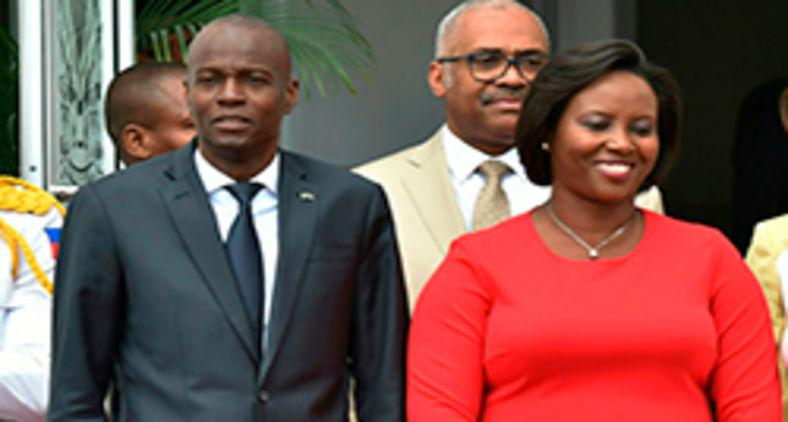 O ex-presidente do Haiti, Jovenel Moise, com sua esposa e primeira-dama, Martine Moise, em 23 de maio de 2018, em Porto Príncipe (Hector Retamala/AFP)