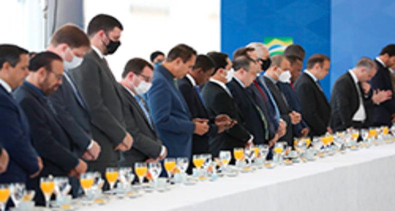 Presidente toma café da manhã com a Bancada Evangélica do Congresso Naciona em 12 de maio de 2021 (Marcos Corrêa/PR)