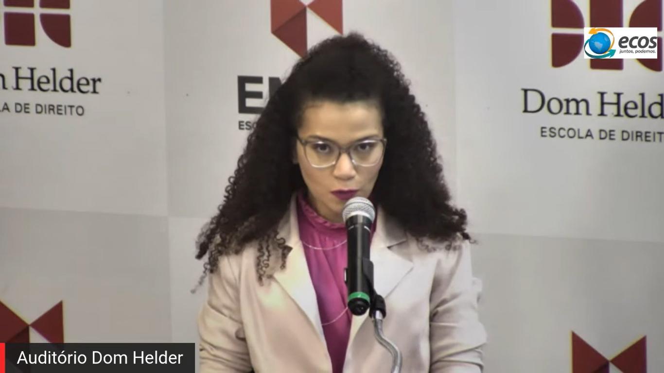 Helen Almeida, apresentadora da live e professora nucleadora do Movimento Ecos.