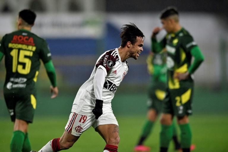 Michael comemora o gol da vitória do Flamengo contra o Defensa y Justicia