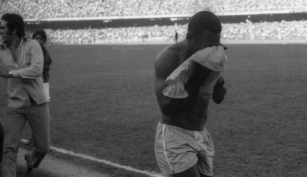 ''Ver o Brasil sem Pelé era como deixar o torcedor órfão'