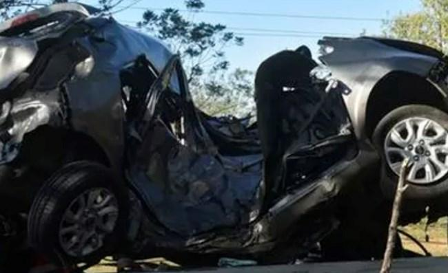 Carro do filho do treinador ficou completamento destruído