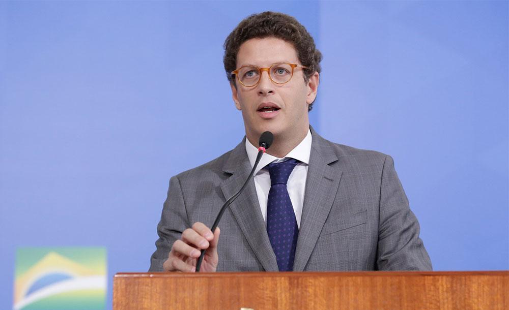 Ex-ministro de Bolsonaro é investigado por de corrupção, advocacia administrativa, prevaricação e facilitação de contrabando