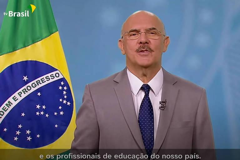 Durante o pronunciamento, Milton Ribeiro disse que o governo federal trabalha para que o retorno seja seguro a todos