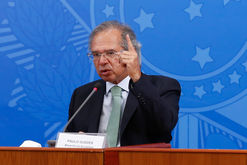 Bolsonaro comemora arrecadação recorde (Anderson Riedel/PR)