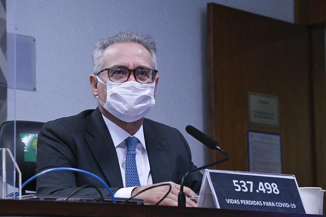 Braga Netto foi colocado onde está para 'ameaçar as instituições democráticas', diz Renan