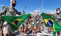 Bruninho e todos os outros atletas que participaram do desfile simbólico apareceram vestidos com o uniforme oficial, com as cores da bandeira brasileira (Christian Dawes/COB)