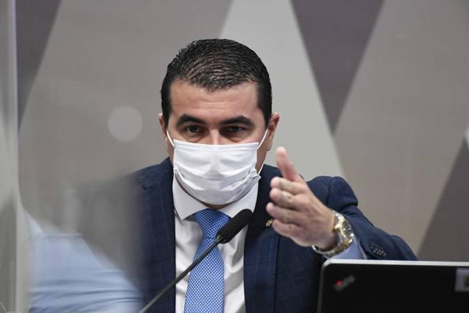 Em seu depoimento na CPI da Covid, o deputado Luis Miranda afirmou que problemas com a compra da vacina Covaxin foram avisados a Jair Bolsonaro
