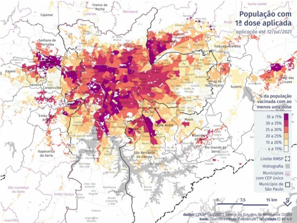 Nas áreas em amarelo claro, menos de 40% dos maiores de 40 anos foram vacinados. Nas áreas em roxo, a vacinação atinge quase 100% do mesmo