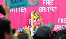 Os fãs da cantora há muito exigem que Jamie Spears perca a tutela sobre a filha e lançaram uma campanha com o lema #FreeBritney (Frederic J. BROWN/AFP)