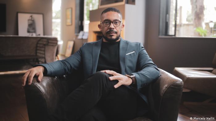 Thiago Amparo defende a política de cotas, que favorecem a diversidade nas empresas