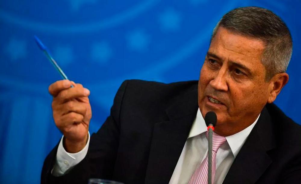 O ministro da Defesa, general Braga Netto é um fiel escudeiro de Bolsonaro