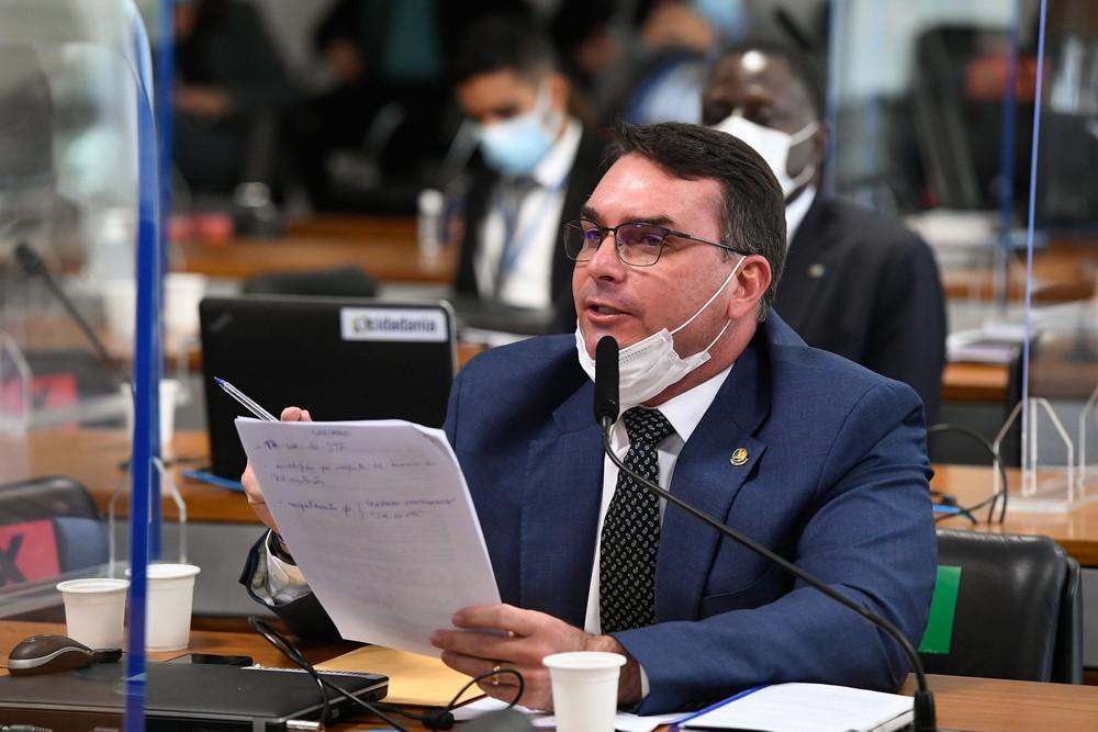 Senador Flávio Bolsonaro (Patriota-RJ), durante sessão da CPI da Covid