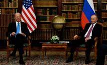 Os presidentes Joe Biden e Vladimir Putin antes de sua cúpula em 16 de junho de 2021, na cidade suíça de Genebra (Brendan Smialowski/AFP)