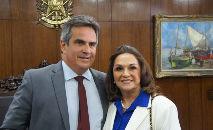 Ciro Nogueira postou uma fotografia com a mãe no Instagram. 'Tive que pedir uma foto com a nova senadora do Piauí', brincou o novo ministro (Reprodução INstagram @cironogueira)