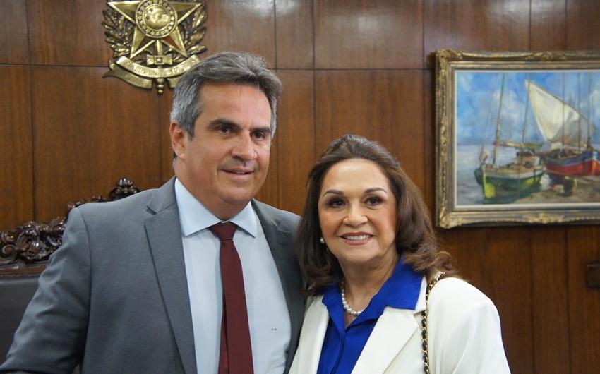Ciro Nogueira postou uma fotografia com a mãe no Instagram. 'Tive que pedir uma foto com a nova senadora do Piauí', brincou o novo ministro