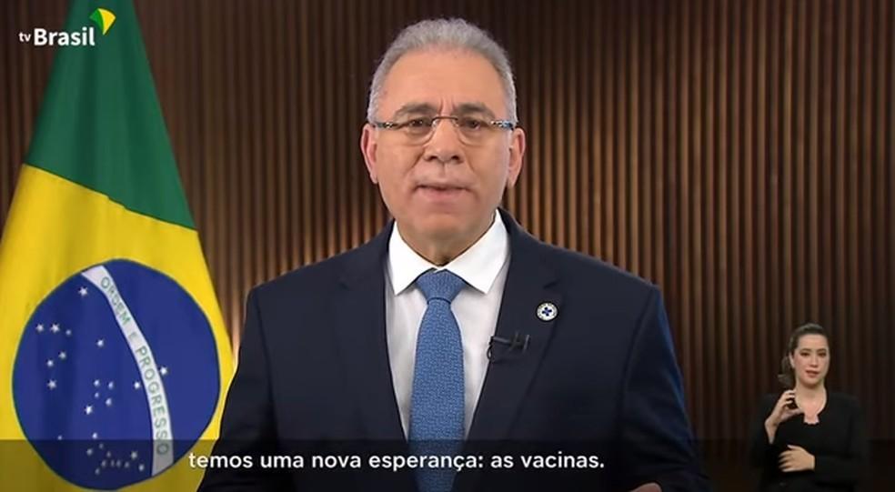 Ministro Marcelo Queiroga lamentou a morte de mais de 550 mil em razão da doença e disse que as vacinas representam uma 'nova esperança'