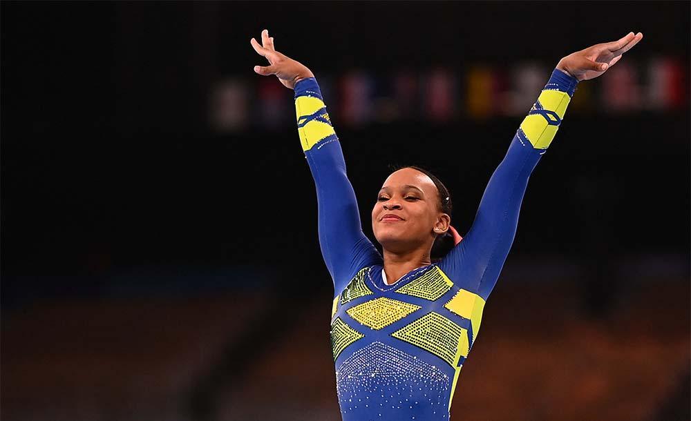 Rebeca alcançou na maior façanha de uma ginasta brasileira na história.