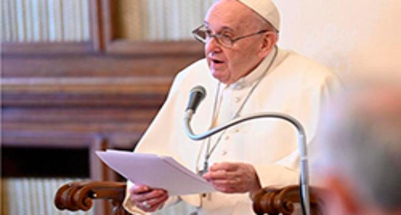 O papa constata que a conjuntura histórica vem dando passos à atrás, contrários o que se sonhou de um mundo globalizado e fraterno (Vatican News)