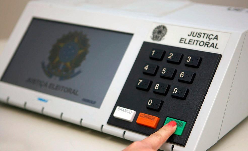 A urna eletrônica tem sido questionada por Bolsonaro, que nunca mostrou provas de sua ineficiência