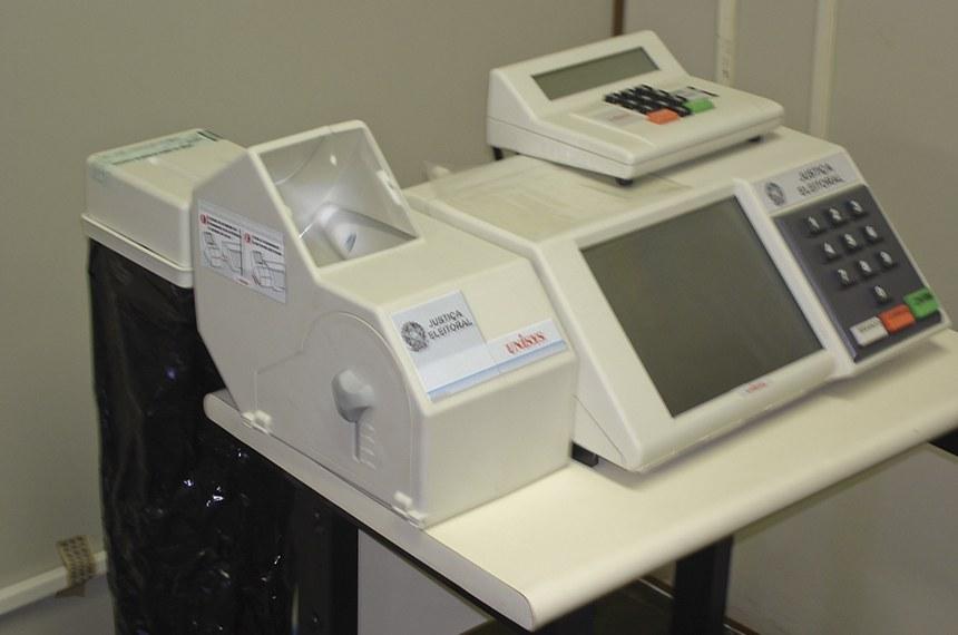 Urna com impressora de boletim foi usada em 2002 no Distrito Federal e em Sergipe